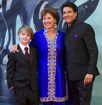 Bollywood award's glamour entices starry-eyed Canadians to ...