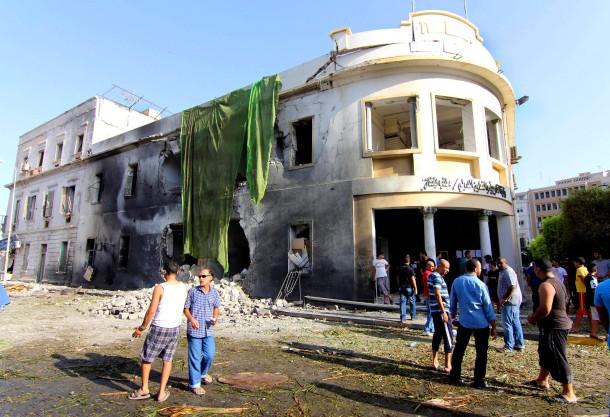 Vor diesem Haus explodierte die Bombe im libyschen Benghasi: Einst war hier auch ein amerikanisches Konsulat untergebracht - zu Zeiten des libyschen Königs Idris, den Revolutionsführer Gaddafi 1969 die Macht entriss