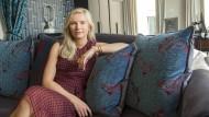 Sophie Trelles-Tvedes fing mit 18 Jahren Haargummis zu vertreiben und ist heute die Leiterin eines Millionen schweren Unternehmens.