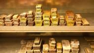 In Zeiten sinkender Aktienkurse steigt der Preis für Gold normalerweise. Warum ist das in der Corona-Krise nicht so?