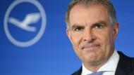Auf der Hauptversammlung der Lufthansa stimmte Blackrock gegen das Vergütungssystem für Vorstandschef Carsten Spohr und seine Kollegen.