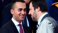 Die zwei Vizepremiers: Arbeits- und Wirtschaftsminister Luigi Di Maio von der Fünf-Sterbe-Bewegung (links) und Innenminister Matteo Salvini von der Lega.