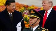 Wer dirigiert hier? Chinas Staatspräsident Xi Jinping und Amerikas Präsident Donald Trump (2017 in Peking).