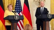 Angela Merkel und Joe Biden geben ihre Pressekonferenz im Weißen Haus.