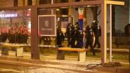 Polizisten beim Einsatz im Leipzig am Samstag