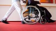 Nach Einschätzung des Biva-Pflegeschutzbundes, der den Kläger unterstützt hatte, profitieren von dem Urteil auch gesetzlich Versicherte.