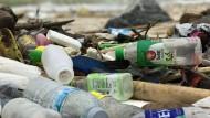 Auch in Thailand will Manfred Weber ein Verbot von Einwegplastik erreichen.