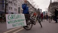 """Protest für den Erhalt der """"Grünen Lunge"""" von Frankfurt"""