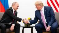 Russlands Präsident Putin scheint Donald Trump hinterherzutrauern. Für Joe Biden hat er wenig gute Worte übrig.