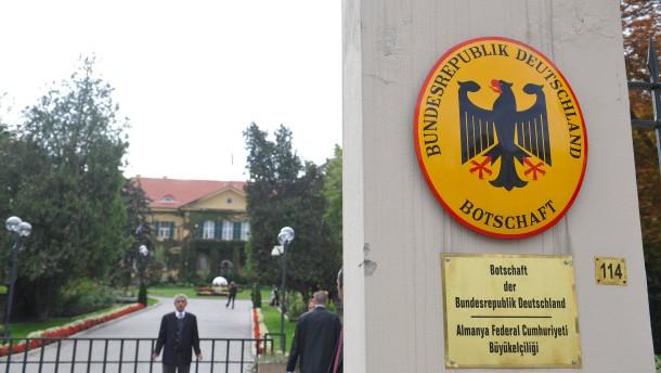 © dpa Diese Woche geschlossen: die deutsche Botschaft in Ankara (Archivbild)