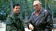 """Was öffentlich-rechtlich einmal möglich war: Claude-Oliver Rudolph (links) und Horst Tappert in einer 1991 von Zbyněk Brynych gedrehten Folge von """"Derrick"""""""