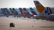 Zahl der Flugpassagiere um 60 Prozent eingebrochen
