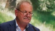 Der neue Grünen-Bundestagsabgeordnete und Ex-Verdi-Chef Frank Bsirske hat auf deutliche Unterschiede zwischen seiner Partei und der Union verwiesen.