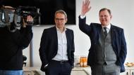 Glänzender Laune: Georg Maier und Bodo Ramelow am Freitag im Thüringer Landtag