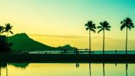Sonnenaufgang auf der Hawaii-Insel Oahu – nach einem langen Lockdown kommen nun wieder Touristen in den amerikanischen Teil der Südsee.