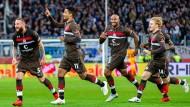 Sekunden nach seiner Einwechslung und wenige Minuten vor Abpfiff erlöste Sami Allagui den 1. FC Sankt Pauli mit seinem Treffer.