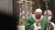 Papst Franziskus während eines Gottesdienstes zur Eröffnung der zweijährigen Weltsynode.