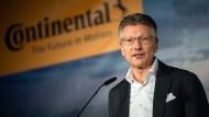 """""""Unmittelbar notwendige, gesundheitliche Vorsorge"""": Continental-Chef Elmar Degenhart hört auf."""