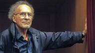 """Monte Hellman im Juli 2011, als er seinen Film """"Road to Nowhere"""" beim Festival von  Karlovy Vary präsentierte."""