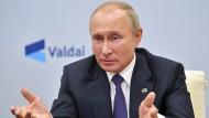 """Wladimir Putin bei seinem Videoauftritt beim """"Waldaj""""-Diskussionsclub am 22. Oktober."""