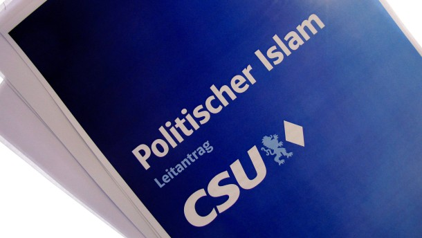"""© dpa Die CSU will mit einem umfassenden Handlungskonzept auf den """"politischen Islam"""" und die damit verbundenen Herausforderungen reagieren."""