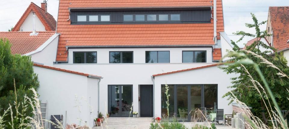 Neue Häuser: Von der Scheune zum Wohnhaus