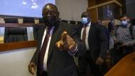 Cyril Ramaphosa am 28. April während einer Verhandlungs-Pause in Johannesburg