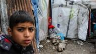 Flüchtlingskind im Lager Moria auf der griechischen Insel Lesbos