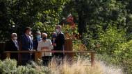 Abschiedsbesuch in Spanien: Angela Merkel am 14. Oktober zwischen Pedro Sanchez und König Felipe VI. in Yuste