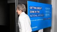 May verlässt am Freitag eine Kundgebung der Konservativen Partei zur Europawahl in Bristol.