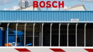 Das Bosch Logo steht auf dem Werksgelände der Robert Bosch Automotive Steering GmbH in Bietigheim.