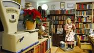 Wer derzeit in Buchhandlungen einkaufen will, muss sich die Ware liefern lassen: Blick ins Berliner Kochbuchantiquariat Bibliotheca Culinaria.