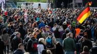 """Am Samstag in Stuttgart: """"Querdenker"""" bei der Kundgebung auf dem Cannstatter Wasen"""