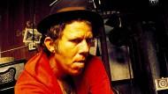 """Nach der Veröffentlichung seines Albums """"Bone Machine"""" hörte er auf zu trinken: Tom Waits 1992"""