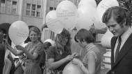 Die Frau, das unmündigste Kind: 50 Jahre Frauenwahlrecht in der Schweiz