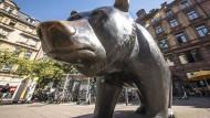 Nase im Wind: Börsen-Bär in Frankfurt