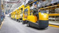 Routenzugsystemlösungen von Jungheinrich: Die Investitionstätigkeit der Kunden geht deutlich zurück.