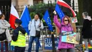 Tag der Entscheidung: Demonstrantinnen am Donnerstag vor dem polnischen Verfassungsgericht in Warschau