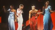 Boney M., Anfang der Achtziger: Marcia Barrett, Liz Mitchell, Maizie Williams und Bobby Farrell – gesungen haben nur Mitchell und Barrett sowie Frank Farian, der aber nicht im Bild ist.