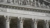 Die Fassade des Obersten Gerichts in Washington, auf genommen am 4. November 2020