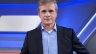 Alexander Kekulé ist Professor für Medizinische Mikrobiologie und Virologie der Martin-Luther-Universität Halle-Wittenberg.