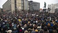 Proteste in Russland: Zehntausende demonstrieren für Nawalnyj