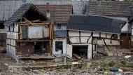 Ein von der Flut zerstörtes Haus in Schuld im Kreis Ahrweiler