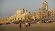 Was hat Den Haag, was Amsterdam nicht hat? Weniger Touristen und einen Strand zum Beispiel.