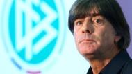 """""""Ich plane ohne euch die Qualifikation und die EM"""": Bundestrainer Joachim Löw zu Hummels, Boateng und Müller."""