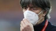 """""""Insgesamt kann man damit zufrieden sein, darauf können wir aufbauen"""": Bundestrainer Joachim Löw zum 1:0 in Rumänien"""