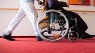 Pflegebedürftige sind in der Corona-Krise besonders gefährdet.