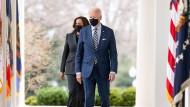 Wettstreit mit China: Biden macht Mikrochips zur Chefsache