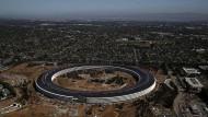Wer so eine schmucke Zentrale gebaut hat, will auch, dass die benutzt wird: der Apple-Sitz in Cupertino.
