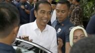 In den vergangenen fünf Jahren hat Widodo sich zu rasch dem Druck der Straße gebeugt.